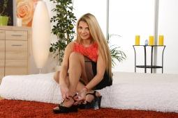 Blonde Loreen #4