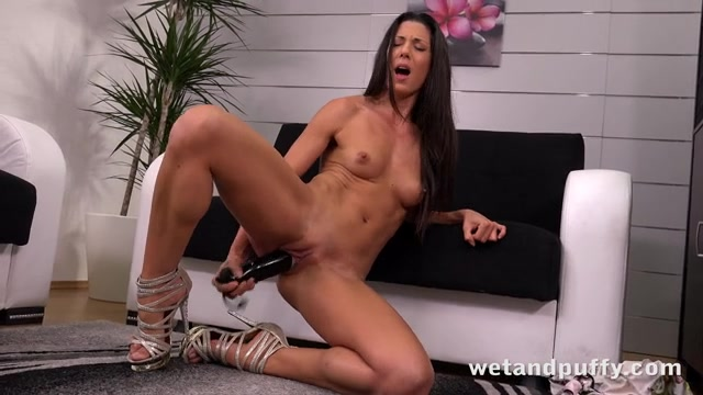 Hot Alexa Tomas Playing With Her Assets