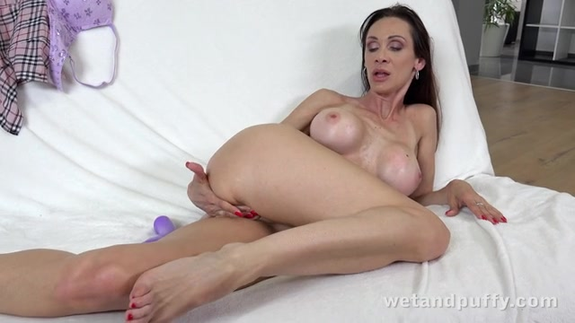 Wet and puffy cynthia, naked wallpappers of girls